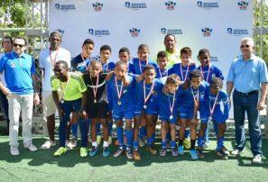 Equipos conquistan títulos en fútbol DN