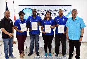 Dirigentes y entrenadores se capacitan en Administración Deportiva