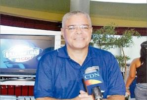 Santana Martínez – HR Mannny Ramirez con Las Aguilas (La puso amarillita, que golpé)