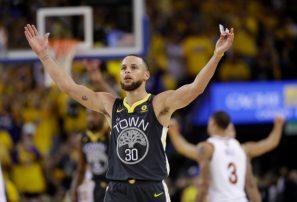 Warriors redescubren su mejor juego y se adelantan 2-0