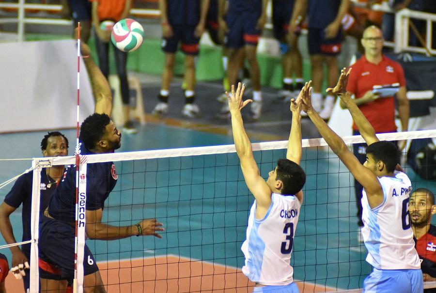 Chile sorprende a Dominicana en voleibol
