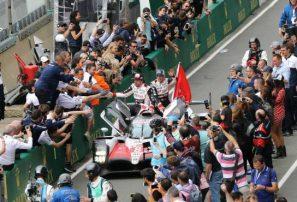 Alonso gana en su debut en las 24 Horas de Le Mans