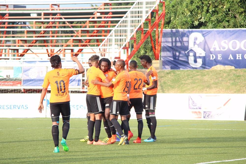 Cibao FC derrota a Delfines del Este y se mantiene líder de la LDF