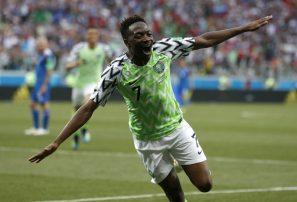 Doblete de Musa da triunfo a Nigeria ante Islandia