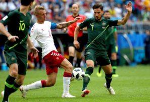 Francia despide a Perú; Australia y Dinamarca empatan