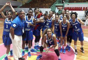 Equipo femenino de basquet RD da paliza a Barbados