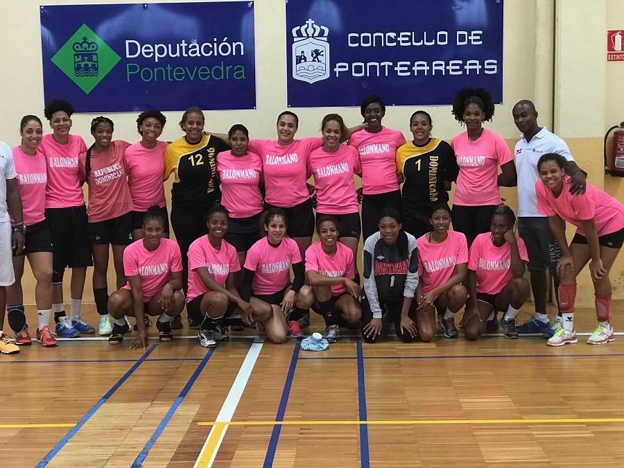 Balonmano femenino RD llega a España para base entrenamientos