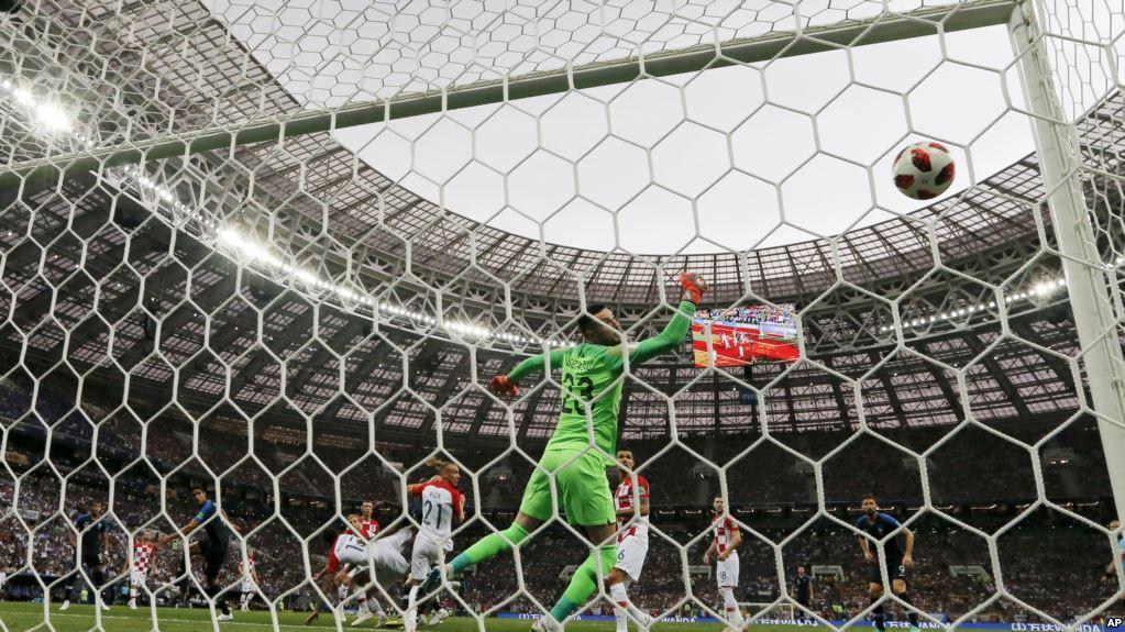 Francia golea a Croacia y se proclama campeona del mundo