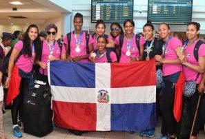 Voleibol y balonmano femenino aterrizaron en Dominicana