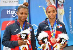 Carolanni Reyes, plata y bronce; Beatriz Pirón, plata en pesas