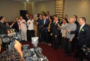 Navarro juramenta Comité de Apoyo Juegos Escolares Monte Plata 2019