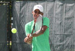 Dominicanos avanzan en inicio Copa Merengue de Tenis