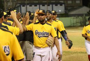 Los Granjeros clasifican a la  serie final béisbol de verano