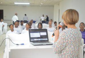 Profesores reciben formación y entrenamiento en Congreso Educación Física