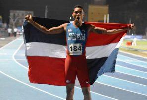 Juander Santos, bronce en 400 vallas; Marileidy y Yancarlos a la final
