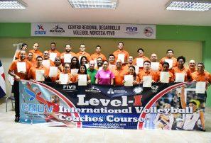 Curso de entrenadores de nivel I concluye en Santo Domingo