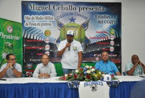 Clásico de sóftbol Liga Emce será dedicado al ministro de Deportes Danilo Díaz