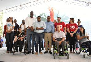 Danilo Diaz reconoce 12 atletas con discapacidad