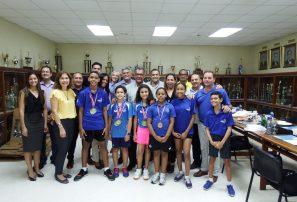 Directiva Club Naco agasaja atletas medallistas de oro en Tenis de Mesa del Caribe