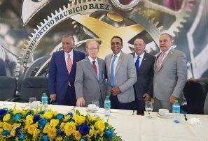 Entregan reconocomiento a Pepín Corripio en 55 Aniversario de Club Mauricio Báez