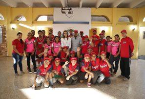 GRUPO SID realiza donativo de uniformes a clubes deportivos de Cristo Rey