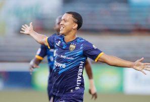 Doblete de López da un ajustado triunfo al Atlético Pantoja sobre Cibao FC en la Liguilla