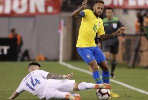 Neymar impulsa la victoria de la selección de Brasil