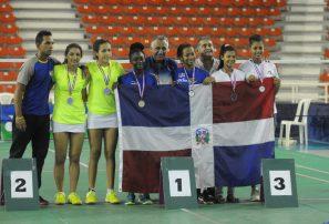 Nairobi revalida título y Linares consigue oro Santo Domingo Open Junior Bádminton