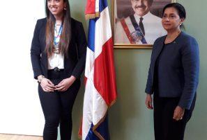 Embajada RD en Viena rinde homenaje a jugadora de balonmano