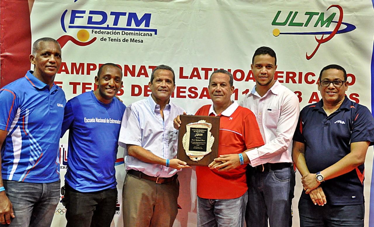 Vila y Cabrera ganan oro en dobles Latinoamericano Tenis de Mesa