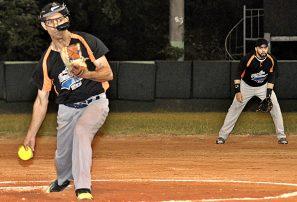 Halcones, UASD, Las Cañitas y la Puya avanzan en torneo de sóftbol del DN
