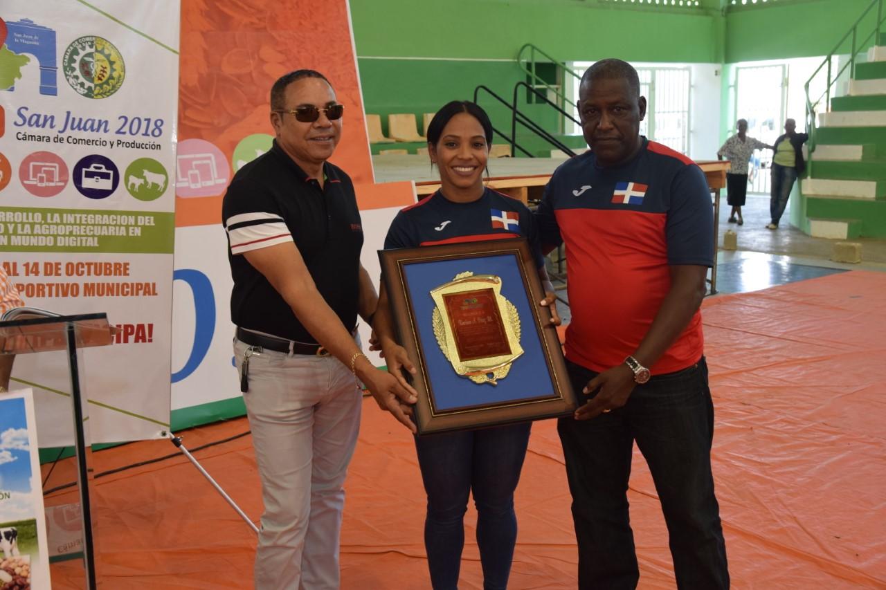 Distinguen a medallistas Juegos Centroamericanos en Expo Feria San Juan