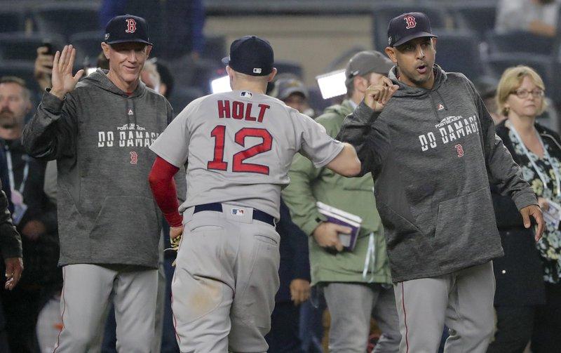 Boston le da paliza a los Yankees y se adelanta en la serie
