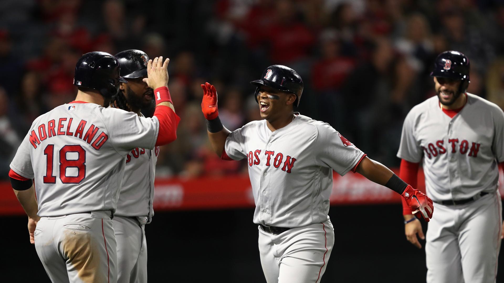 Medias Rojas superan a Dodgers y está a un triunfo de la corona