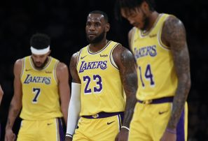 LeBron James cae en su debut con los Lakers en la temporada de la NBA