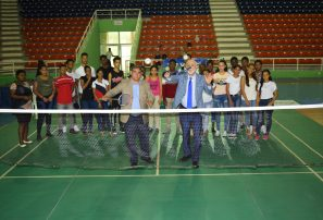 Inauguran torneo Internacional Santo Domingo Open Junior bádminton
