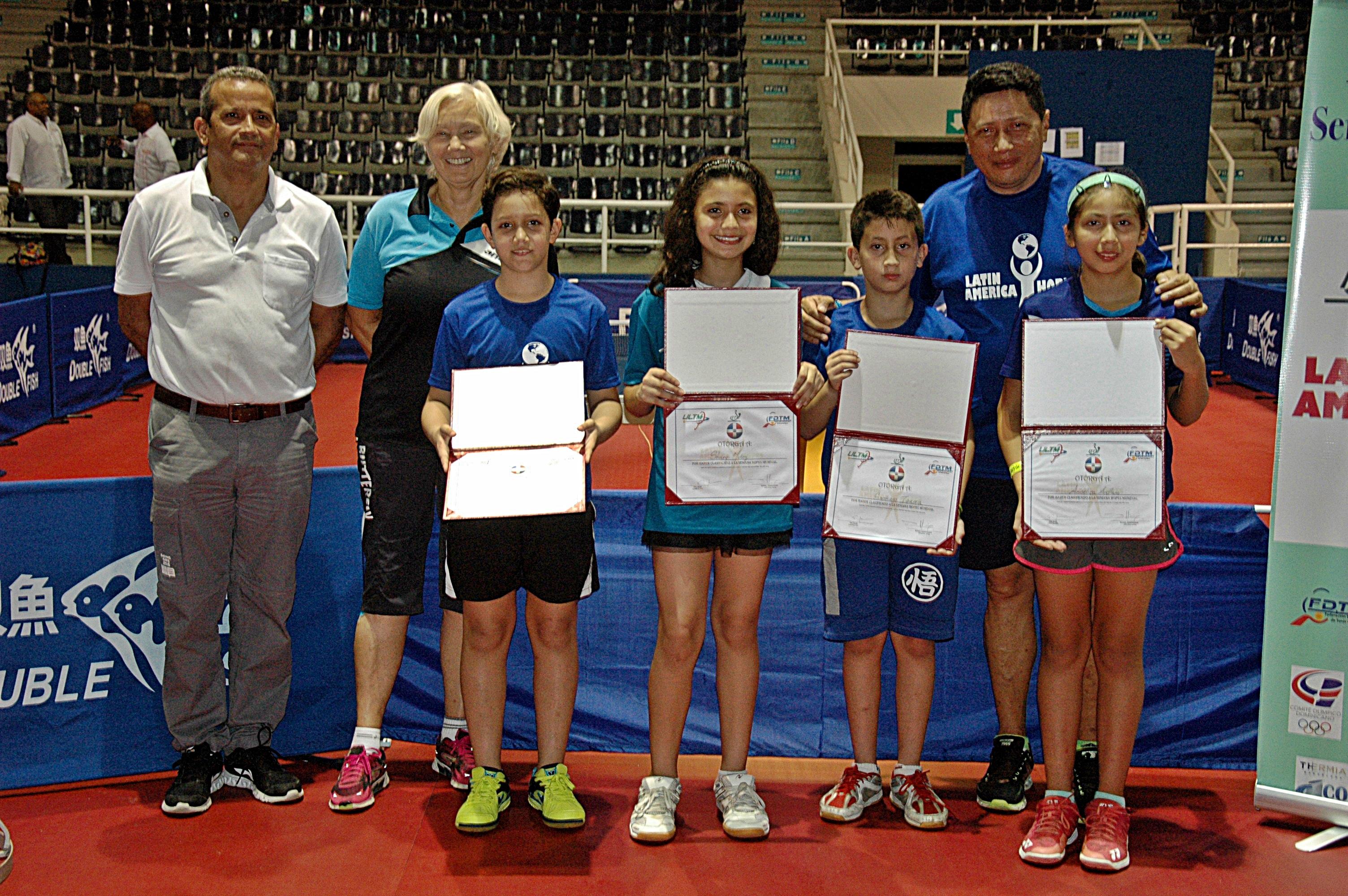 Cabrera y Muñoz clasifican a Mundial Hopes de Tenis de Mesa