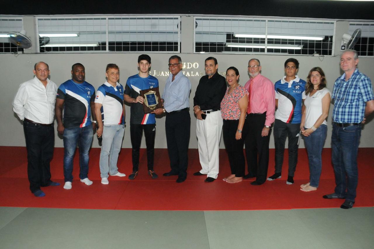 Club Naco despide a judoca Antonio Tornal