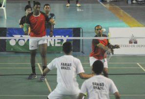 Cabrera, Javier y Bermary, avanzan a cuartos en dobles bádminton internacional