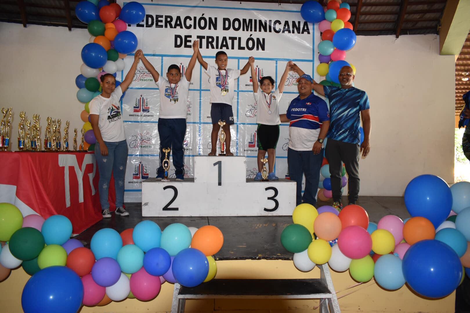 Infantes se imponen en el Campeonato Nacional de Acuatlón 2018
