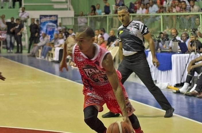 Pueblo Nuevo y Ciro Pérez triunfan en baloncesto San Cristóbal