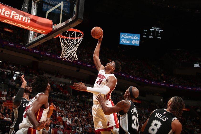 El Heat se apoya en 20-20 de Hassan Whiteside para vencer a Spurs