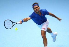 Roger Federer venció a Anderson y avanzó a semifinal en las Finales de ATP