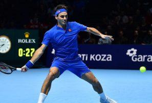 Roger Federer no pudo brillar en su debut en las Finales de ATP