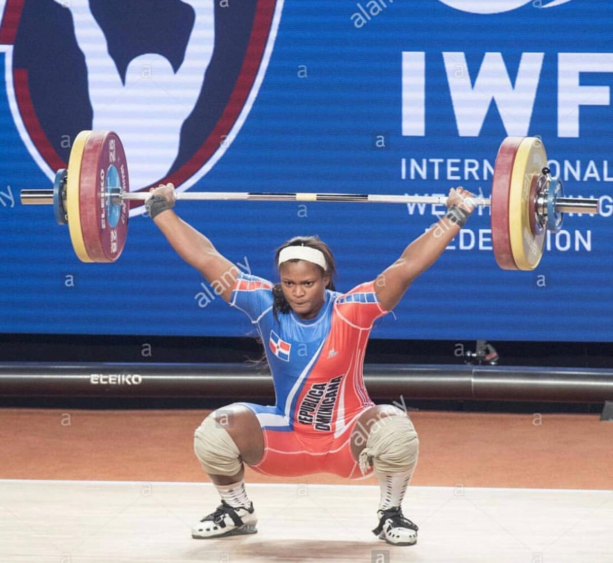 Crismery Santana gana plata y bronce en mundial de pesas