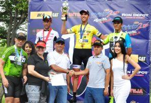 Alien García fue el gran ganador Máster A en clásico Triple 100