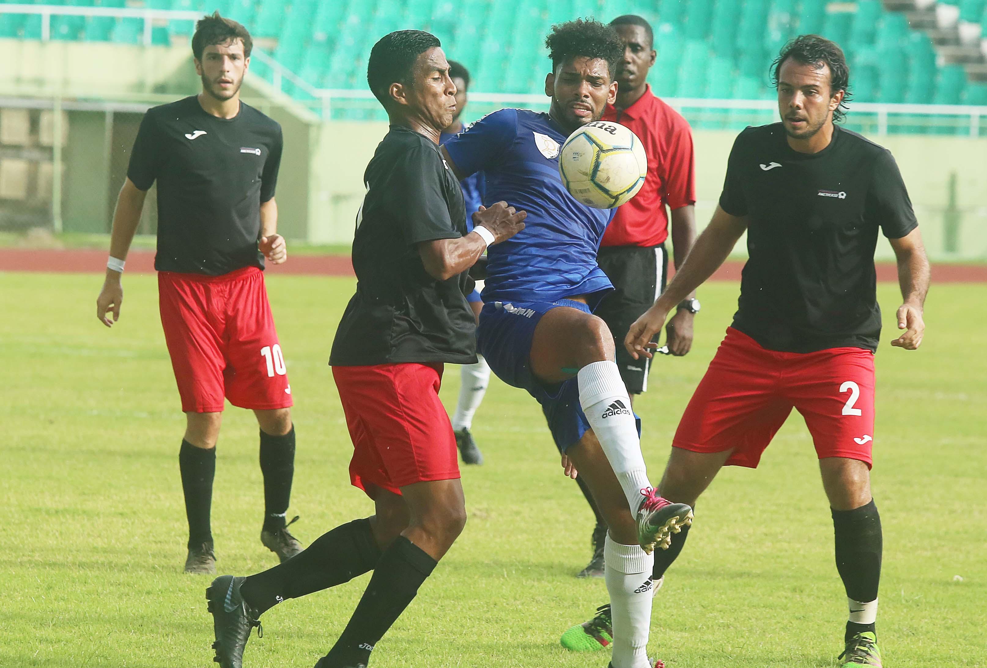 Oncenos pretenden cruzar a la final torneo Serie B de Fútbol