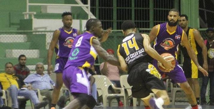 Pueblo Nuevo y Ciro Pérez triunfan en Torneo de Baloncesto Superior de San Cristóbal