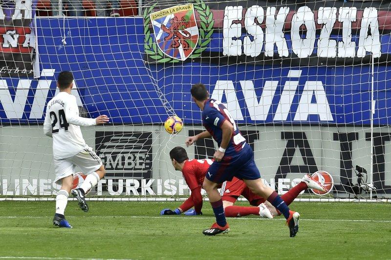 Real Madrid sufrió goleada en la liga española