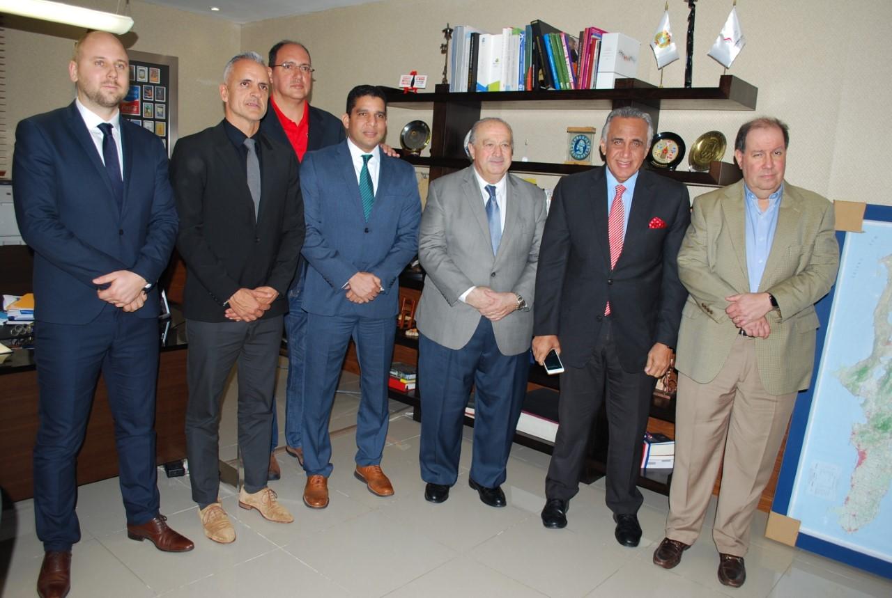 Presidente FIBA aborda diversos temas con directivos del COD